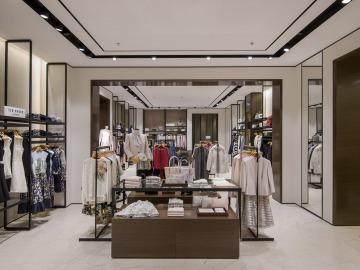 <i>Apranga group</i> открыла бутик <b>CITY</b> с новой концепцией в Риге