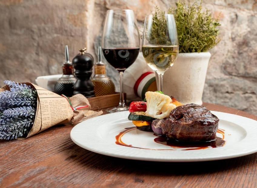 26. aprīlī pulksten 18.30 aicinām Jūs apmeklēt vīna vakariņas restorānā Piazza Italiana.
