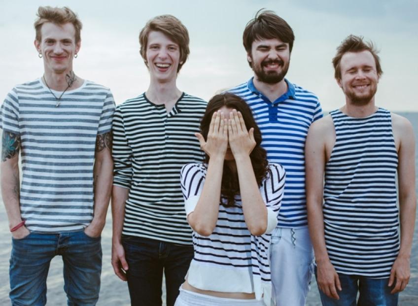 Впервые в Риге выступит молодая российская поп-рок группа АлоэВера
