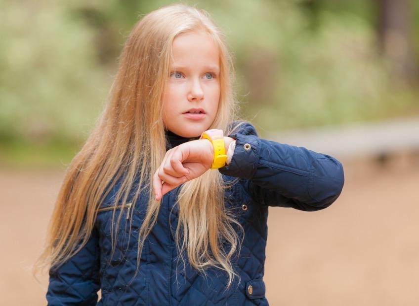 Детская безопасность и часы с кнопкой SOS