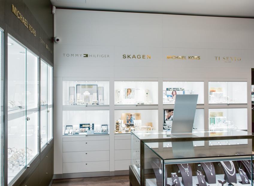 <b>Goldtime</b> atklāj pirmo juvelierizstrādājumu un pulksteņu veikalu Latvijā, tirdzniecības centrā Domina Shopping, Rīgā