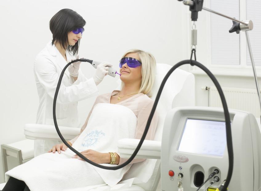 Безоперационная подтяжка лица: самые эффективные методы по мнению врача-дерматолога Др. Елены Рутковской