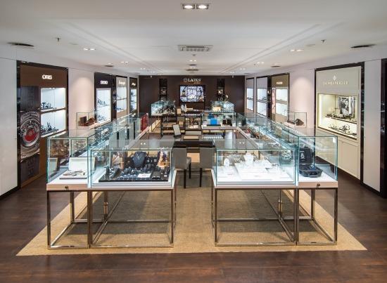 В Риге откроет двери первый новый концепт-салон часов LAIKS de Luxe