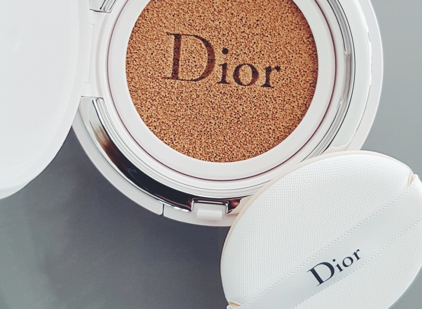 #этовещь.  Кушон Dior Capture Dream Skin Moist & Perfect Cushion SPF50