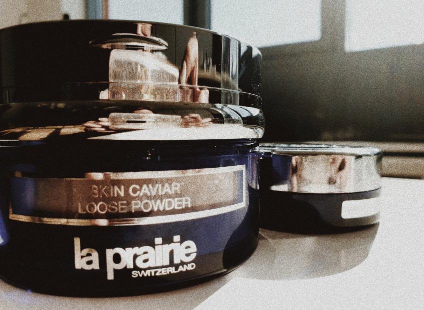 Икры немножко на серебряной ложке. Или <b>новая пудра Skin Caviar Loose Powder</b>