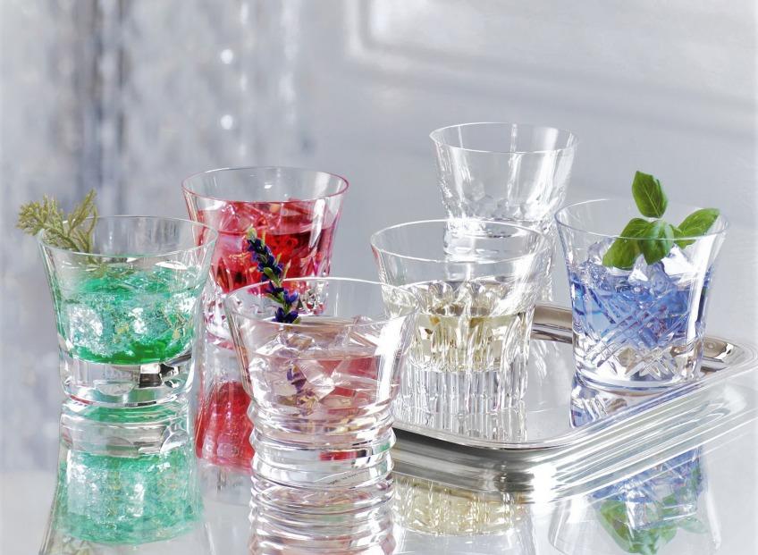 <i>Красивая посуда не должна стоять за стеклом, и жизнь проходить мимо нее.</i>